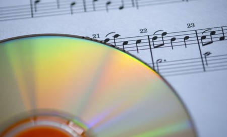 El Reino Unido ilegaliza la copia privada, iTunes podría costarle muy caro a Apple