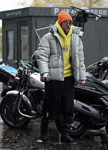 Beanie Bufanda El Combo Que Triunfa En El Mejor Street Style De La Semana Este Invierno 07