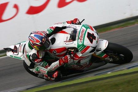 Superbikes Holanda 2011: Johnny Rea consigue la primera victoria del año de Castrol Honda en Assen