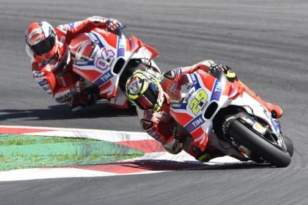 Andrea Iannone Andrea Dovizioso Ducati Motogp Austria 2016