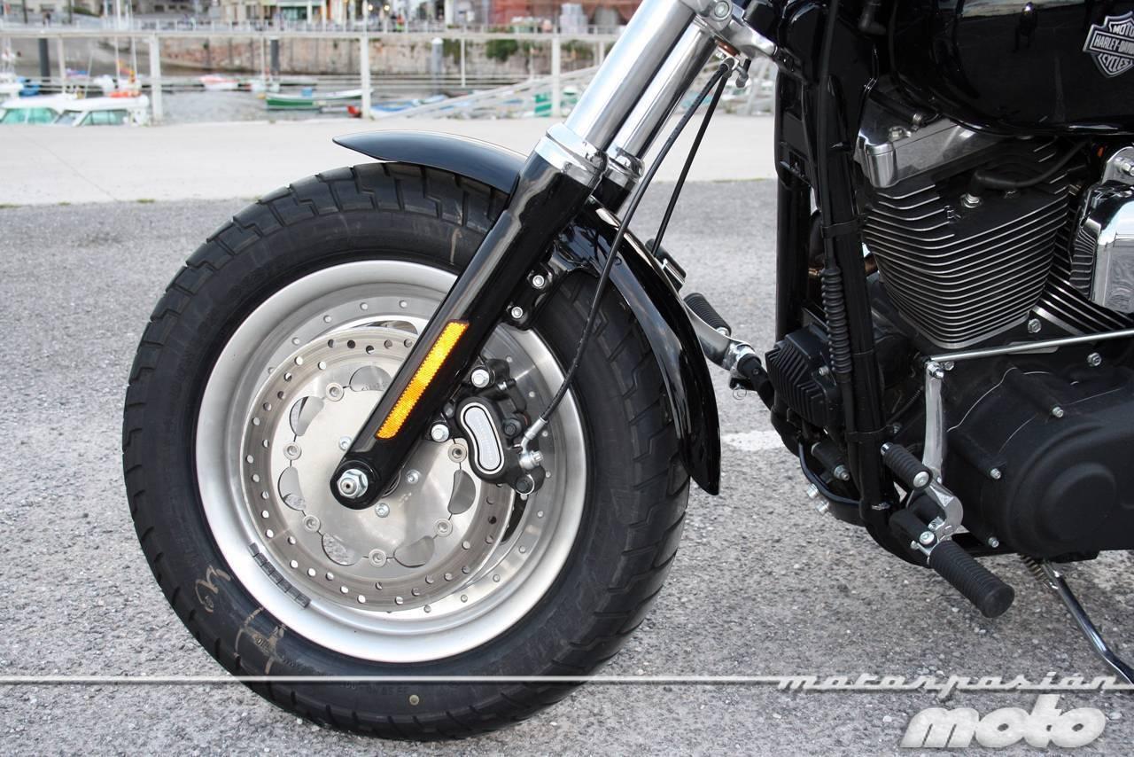 Foto de Harley Davidson Dyna Fat Bob, prueba (18/21)