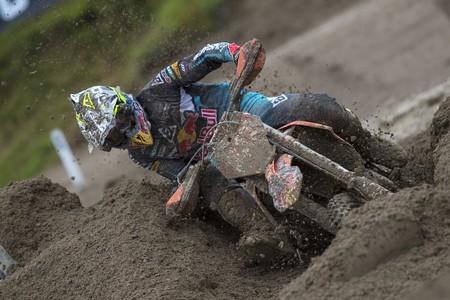 Antonio Cairoli se escapa en MXGP y Jorge Prado continúa la remontada en MX2, ambos con dobletes en Italia
