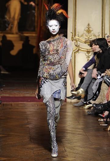 Foto de Vivienne Westwood Primavera-Verano 2010 en la Semana de la Moda de París (18/21)