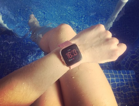 Ponemos a prueba el nuevo Fitbit Versa: el nuevo smartwatch deportivo para el día a día