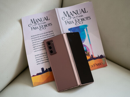 Samsung Galaxy Z Fold 2 01 Trasera 01