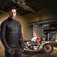 Tucano Urbano te propone un outfit 100% genuino a precio razonable con la chaqueta Straforo y los guantes MRK Pro