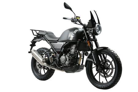La nueva Hanway G-15 Adventure es una moto china para el carnet B de coche y con 15 CV, por 3.289 euros