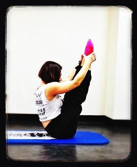 ¿Qué me va mejor  Pilates o Yoga  157720deef85