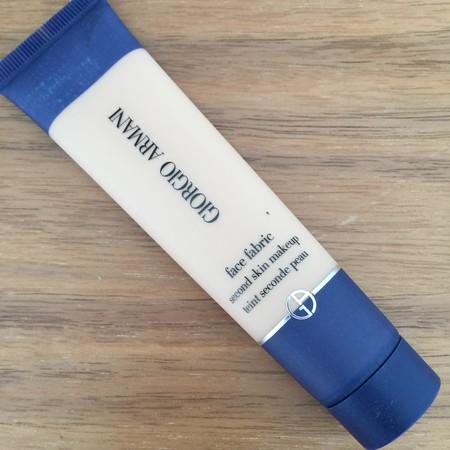Maquillaje Armani Facefabric 2
