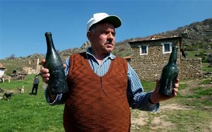 Botellas de coñac de la Primera Guerra Mundial en Macedonia