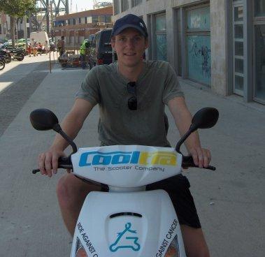 4.000 kms en scooter para combatir el cáncer