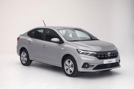 Los nuevos Dacia Sandero y Logan, a revisión en España: el capó podría abrirse en marcha