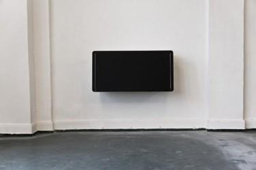 S01, discreto y elegante escritorio de pared