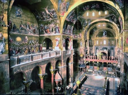 El Interior De La Basilica De San Marcos