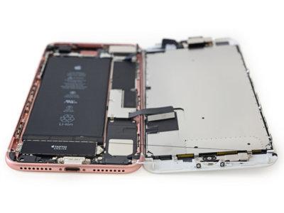 """iFixit """"opera"""" al iPhone 7 Plus: más batería y 3GB de RAM"""