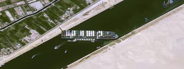 Deléitate con el follón causado por el barco varado en el Canal de Suez con estas 11 imágenes