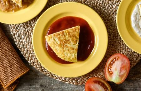 Tortilla En Salsa Brava