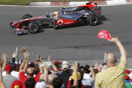 GP de Canadá 2010: Una última vuelta envenenada con todos los ingredientes es la pole de Lewis Hamilton