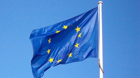 La UE a Google, Facebook y Twitter: cumplid nuestras normas u os sancionamos