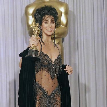 Estos son los 25 vestidos más locos de la historia de los Oscar
