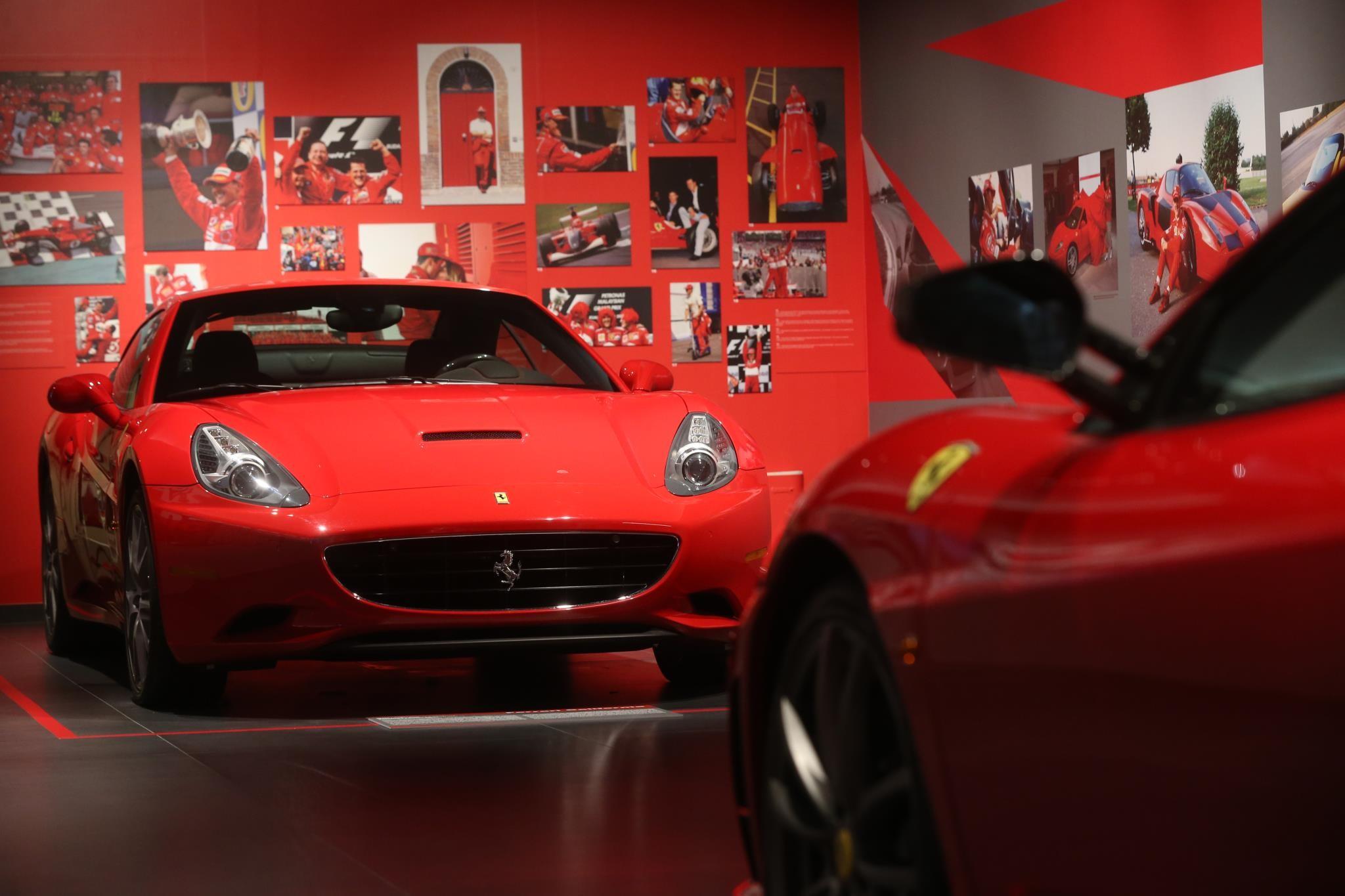 Foto de Michael 50 en el Museo Ferrari (1/9)