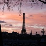 ¿Caminar descalzos por el parque o caminar desnudos por un parque de París? La capital francesa aprueba una nueva zona nudista