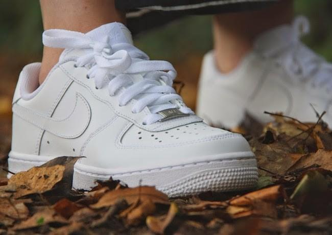 Nike Air Force Blancas Puestas