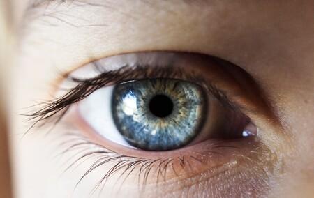 Worldcoin plantea dar criptomonedas a todas las personas del planeta, a cambio de escanear su iris