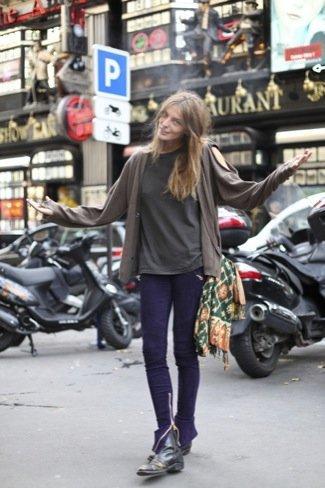 587f44cfb Modelos en la Semana de la Moda de París. Estilo en la calle y ...