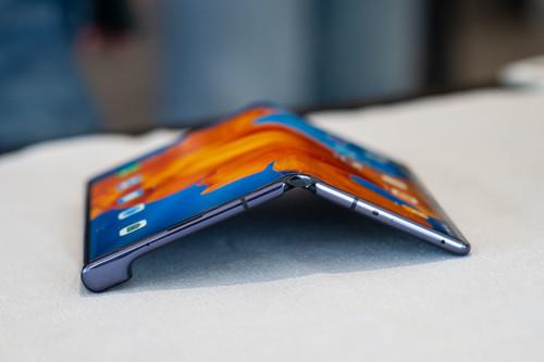 Huawei Mate Xs, primeras impresiones: la firme apuesta por la pantalla única plegable, mejorando la bisagra y buscando la máxima productividad