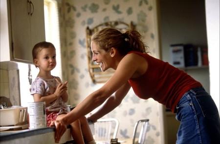 Así es ser padres antes de los 30: hablamos con cuatro personas que nos cuentan cómo afectó a su vida