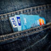 Si vas a pagar con tarjeta y no te funciona, no eres el único: Visa tiene problemas al procesar pagos en toda Europa