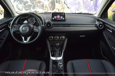 Mazda2 2016 3