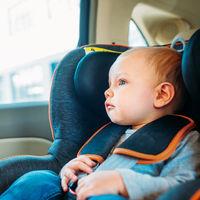 Nunca dejes un niño dentro del coche al sol, aunque no haga calor: en 30 minutos la temperatura interior se duplica