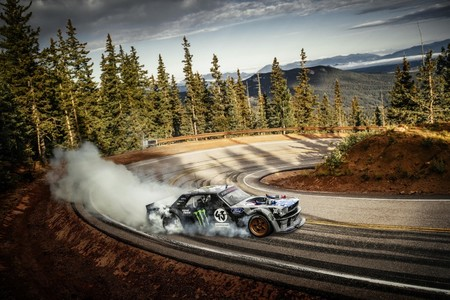 Video: Ken Block + 1400 hp + Pikes Peak = Climbkhana