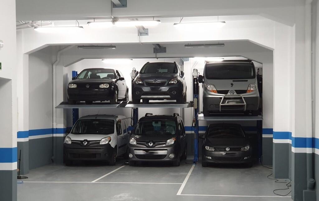 Usar un elevador de coches para duplicar la capacidad del garaje: todo lo que necesitas saber