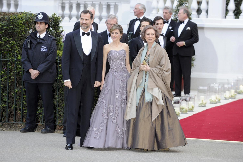 Foto de Todas las asistentes a la cena de gala de la boda del príncipe Guillermo y Kate Middleton (17/19)