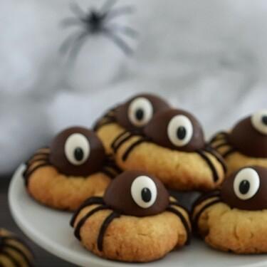 Galletas de araña. Receta fácil de postre para Halloween