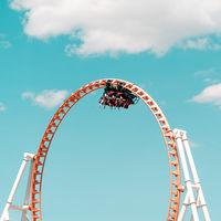 'Up&Up', de Daehyuk Im, o cómo fotografiar el parque de atracciones de Coney Island en clave minimalista