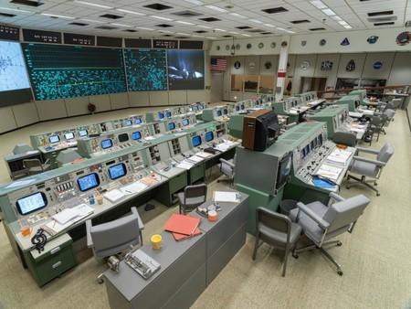 La NASA restauró su histórico Centro de Control y ahora luce el glorioso aspecto retro de cuando el hombre llegó a la Luna en 1969