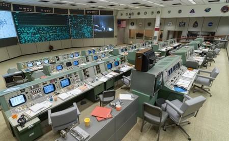 El Centro de Control de la NASA en Houston está vivo luciendo su aspecto retro: pieza clave de la llegada del hombre a la Luna