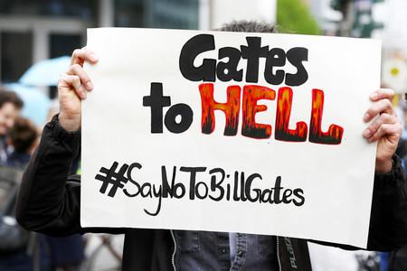 Cómo Bill Gates se ha convertido en el George Soros del movimiento anti-confinamiento