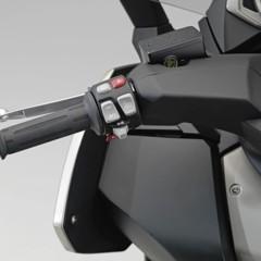 Foto 4 de 38 de la galería bmw-c-650-gt-y-bmw-c-600-sport-detalles en Motorpasion Moto