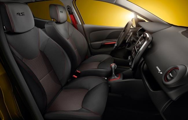 Renault Clio R.S. 200 EDC interior