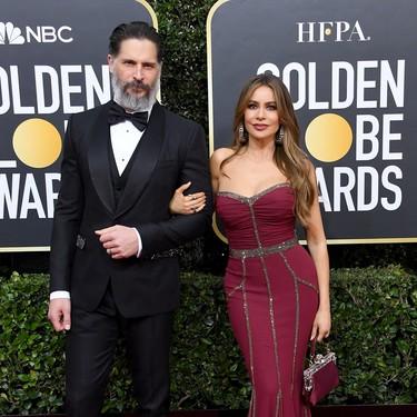 Joe Manganiello presume canas, barba y estilazo en los Golden Globes