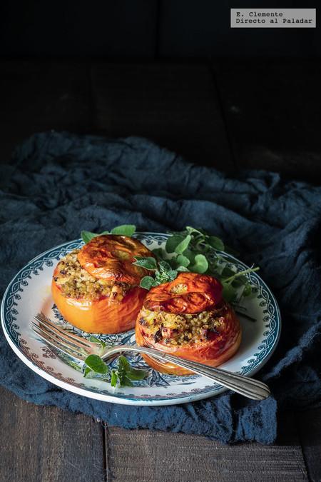Tomates al horno rellenos de quinoa y feta