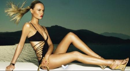 Louis Vuitton, colección crucero 2009 con Natasha Poly, bañador