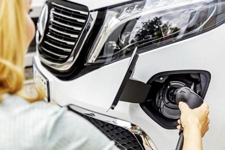 Mercedes Benz Eqv 16