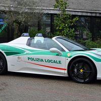 La policía de Milán usa este Ferrari 458 Spider decomisado a la mafia para dar una lección