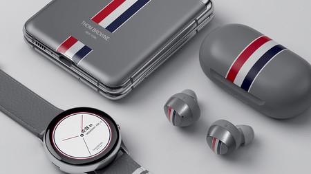 Thom Browne convierte la tecnología en lujo interviniendo el Galaxy Z Flip de Samsung